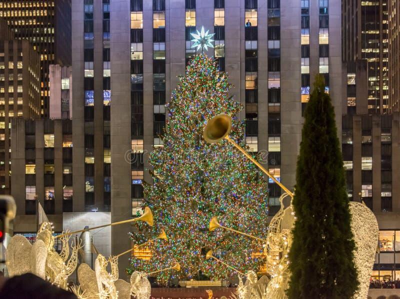 New York - 20. Dezember 2013: Weihnachtsbaum an Rockefeller-Cent lizenzfreie stockbilder