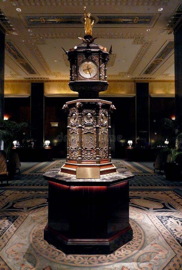 New York, Etats-Unis 24 AOÛT 2016 Horloge de Waldorf Astoria image stock