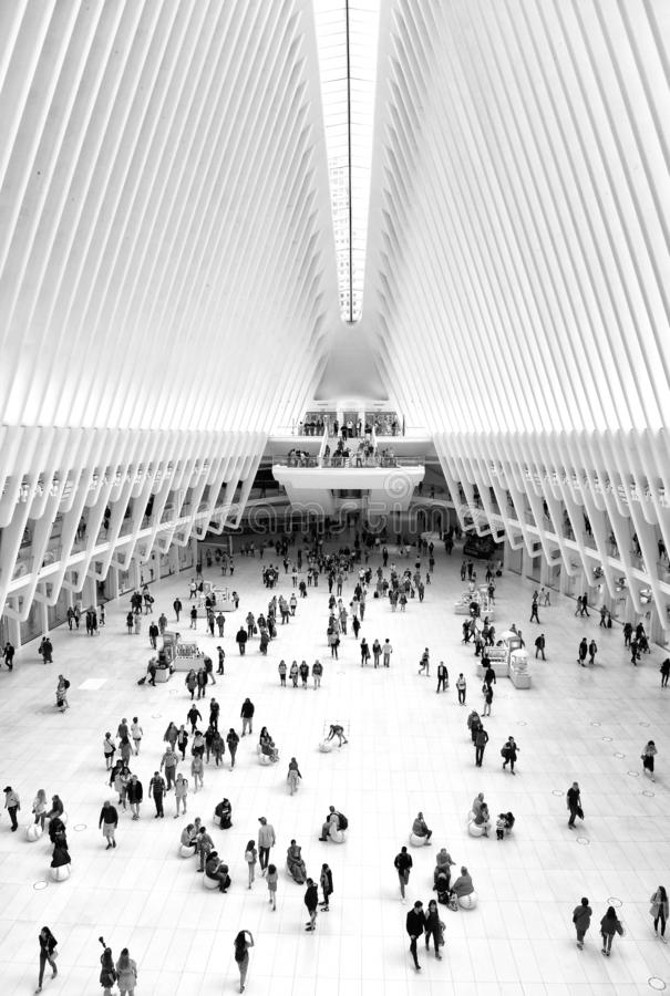 New York, Etats-Unis - 10 juin 2018 : Les gens en World Trade Center de Westfield à New York City image stock