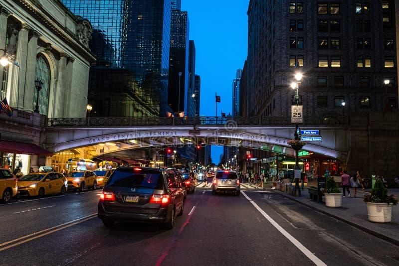 New York, Etats-Unis - 22 juin 2019 : Plaza de terminal de Grand Central et de place de Pershing le soir - image images libres de droits