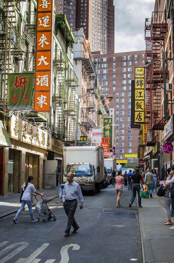 NEW YORK - Etats-Unis le 12 septembre 2016 - rue chinoise typique dans le ch photo libre de droits