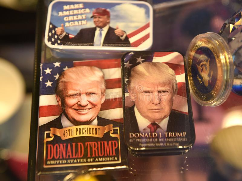 New York, Etats-Unis - 31 mai 2018 : Souvenirs comportant Donald Trump i image stock