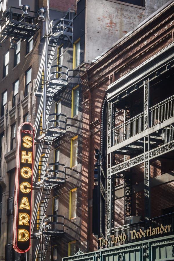 NEW YORK, EUA - 24 DE FEVEREIRO DE 2018: O sinal exterior do quadrado de Shocard do hotel às vezes fotografia de stock