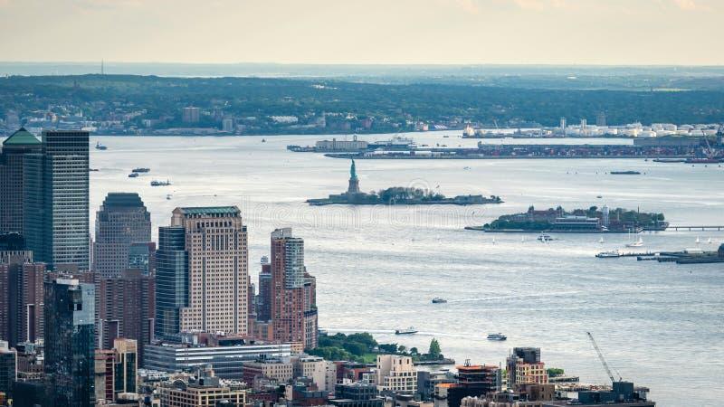 New York, EUA - 6 de junho de 2019: New York City Vista aérea panorâmico maravilhosa de arranha-céus do Midtown de Manhattan - im fotos de stock royalty free