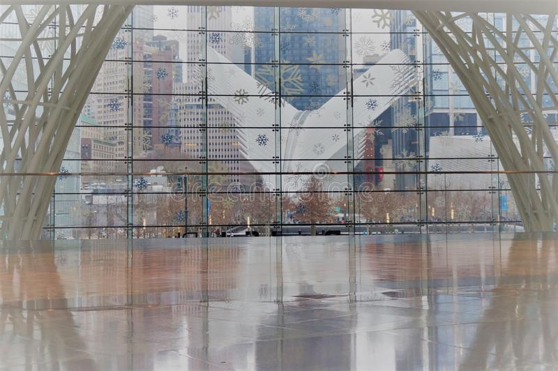 New York, New York/EUA - 02 19 2018: Exterior do cubo do transporte da estação WTC do World Trade Center foto de stock royalty free