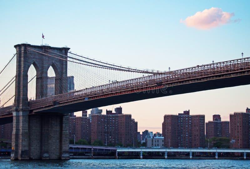 New York, EUA: uma vista icónica da ponte de Brooklyn o 16 de setembro de 2014 fotografia de stock