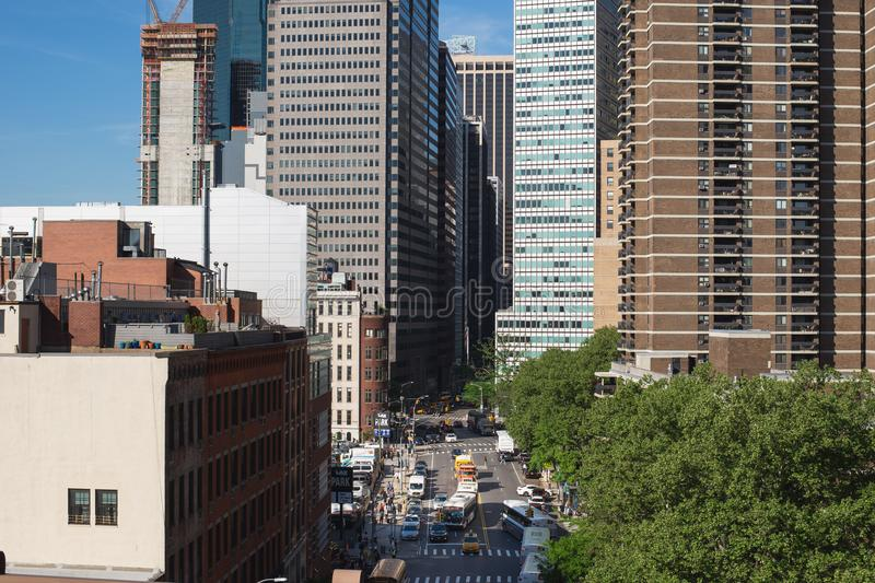 New York Förenta staterna - Maj 21, 2018: Gata av i stadens centrum Manhattan, New York City fotografering för bildbyråer