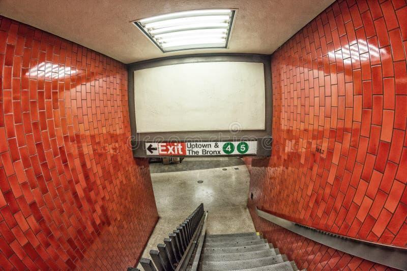 New York gångtunnelutgång för Uptown och Bronxen fotografering för bildbyråer