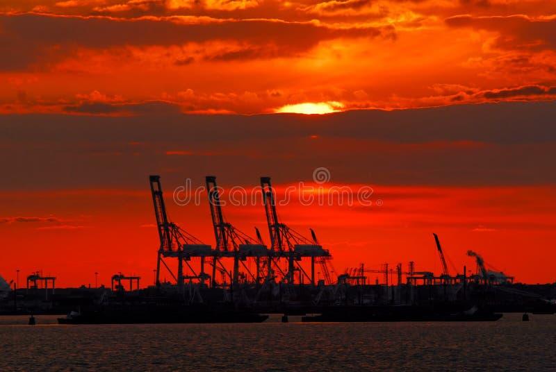 New York hamn på solnedgången arkivfoto