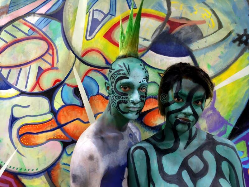 NEW YORK - JULI 26: Näcka modeller, konstnärer tar till New York City gator och konstgallerier under den första officiella kroppm arkivbild