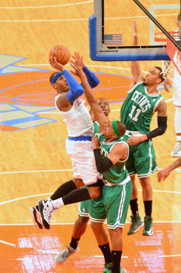 New York Knicks vs Boston Celtics fotografering för bildbyråer