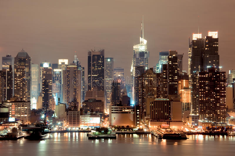 New York Manhattan alla notte fotografia stock