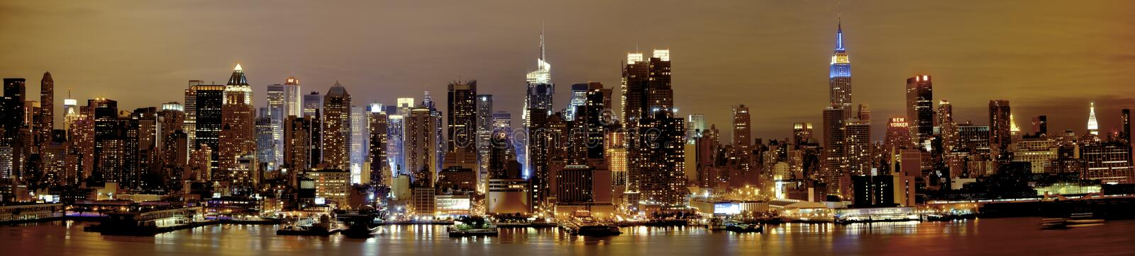 New York Manhattan na noite foto de stock royalty free