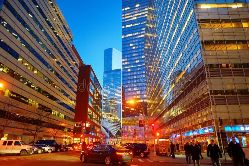 NEW YORK - 20 MARZO 2015: Illuminazione e luci notturne di New York Durata di notte della città che non dorme mai immagini stock libere da diritti