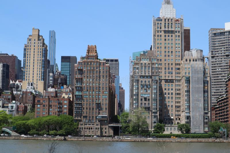 New York, NY, de V.S. - 23 MEI, 2019 - de uit het stadscentrum mening van Manhattan van roosevelt Vier Vrijheidspark op Roosevelt stock fotografie
