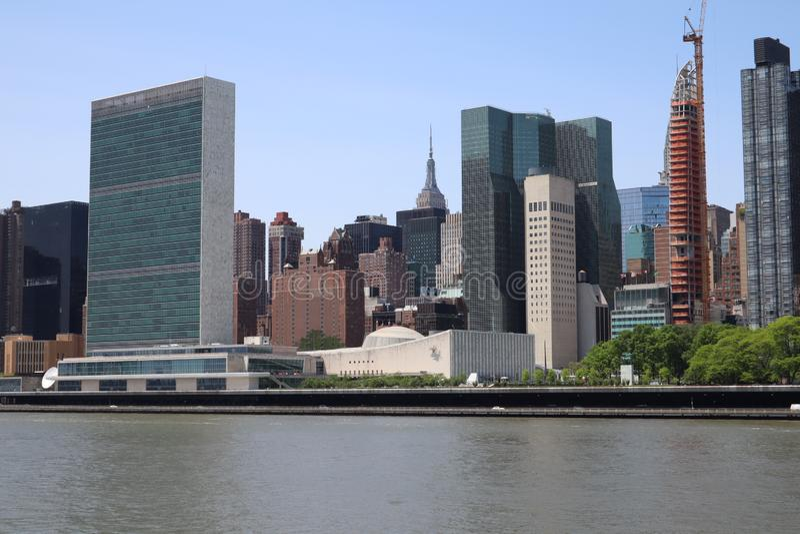 New York, NY, de V.S. - 23 MEI, 2019 - de uit het stadscentrum mening van Manhattan van roosevelt Vier Vrijheidspark op Roosevelt royalty-vrije stock foto's