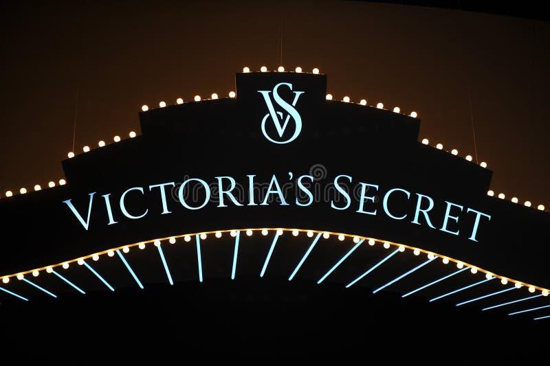 NEW YORK, NY - 13 NOVEMBER: Een algemene mening van atmosfeer bij de Modeshow van Victoria's Secret van 2013 stock foto's
