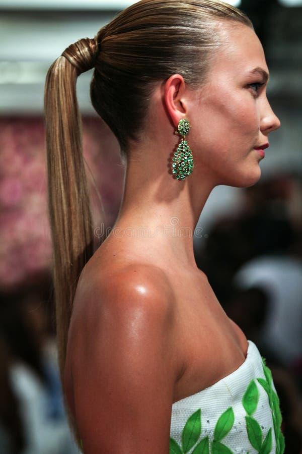 NEW YORK, NY - SEPTEMBER 09: Karlie Kloss walks the runway at the Oscar De La Renta fashion show. During Mercedes-Benz Fashion Week Spring 2015 on September 9 stock images