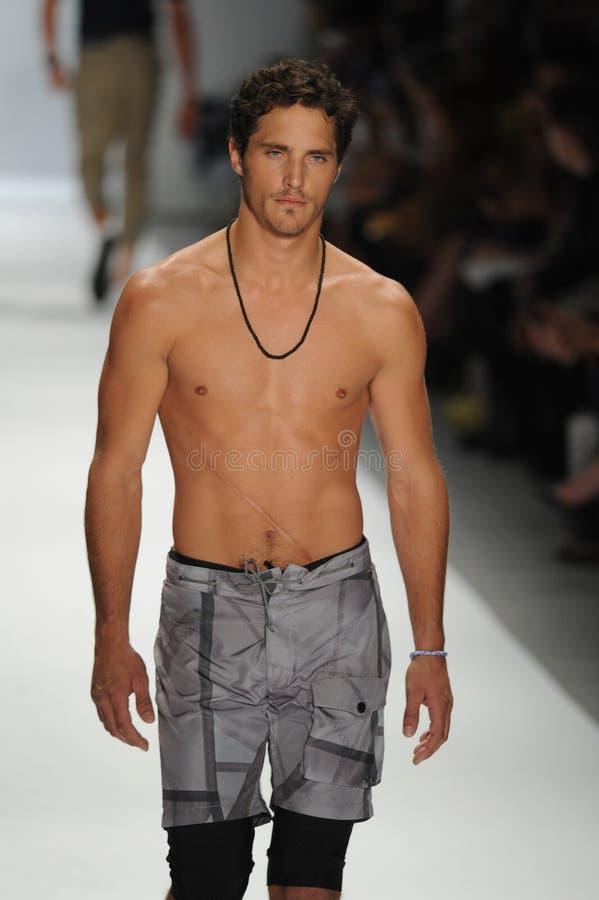 Model naked runway #8