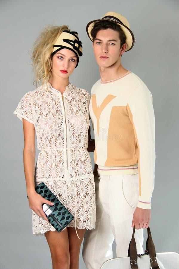 NEW YORK NY - SEPTEMBER 06: Poserar modeller på den Sergio Davila modepresentationen royaltyfri fotografi