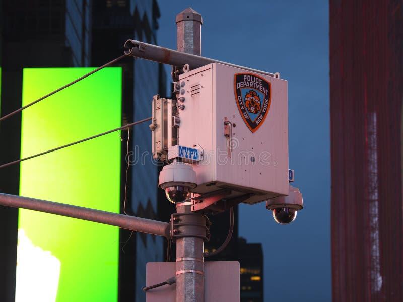 New York, NY, U.S.A. Sistema di videosorveglianza della polizia nel centro urbano Macchine fotografiche che controllano la maggio fotografia stock