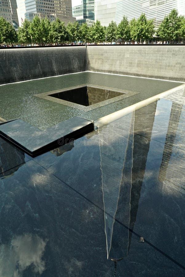 New York, NY, USA - 15. August 2015: World Trade Center und 9/11 Denkmal, am 15. August 2015 stockbild