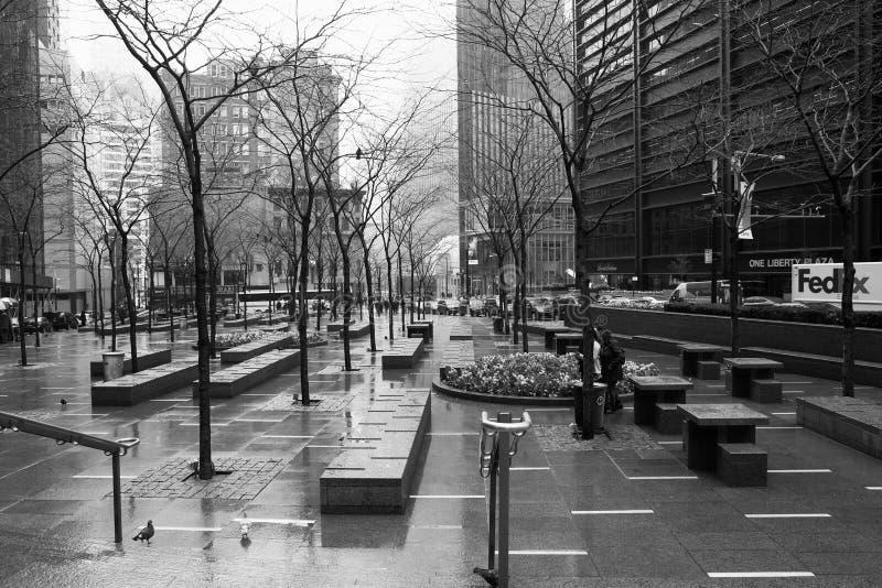 New York piovosa - monocromio di scena della via fotografia stock libera da diritti