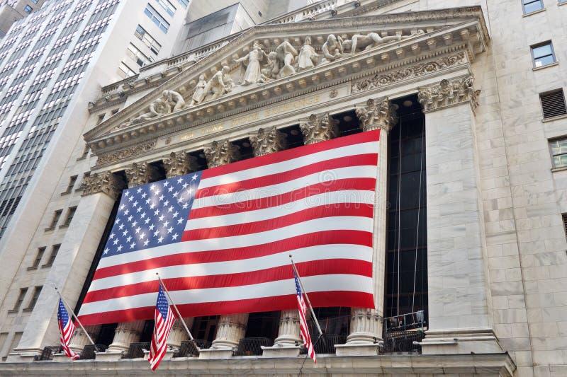 Börse von New York auf Wall Street stockfotos