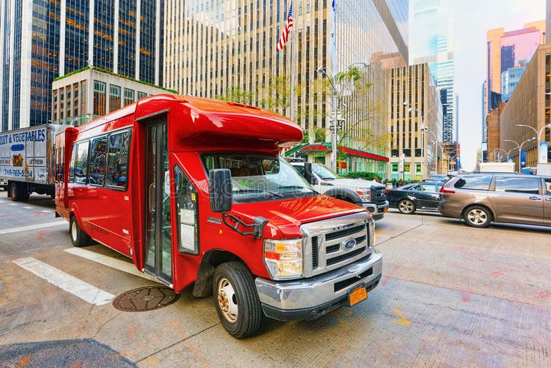 New York Stadtmittebezirk Großer amerikanischer LKW-Fernlastfahrer stockbild