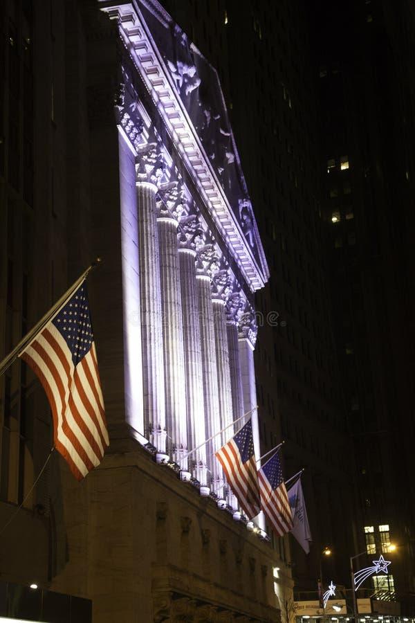 New York Stock Exchange par nuit photo stock