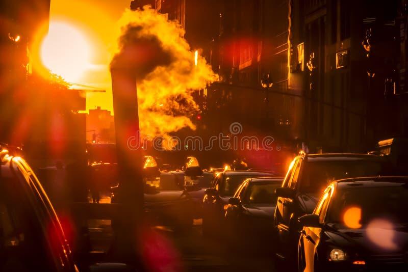 New York trafik på solnedgången royaltyfri bild