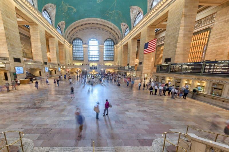 NEW YORK - U.S.A. - 11 giugno 2015 stazione di Grand Central è pieni della gente fotografie stock