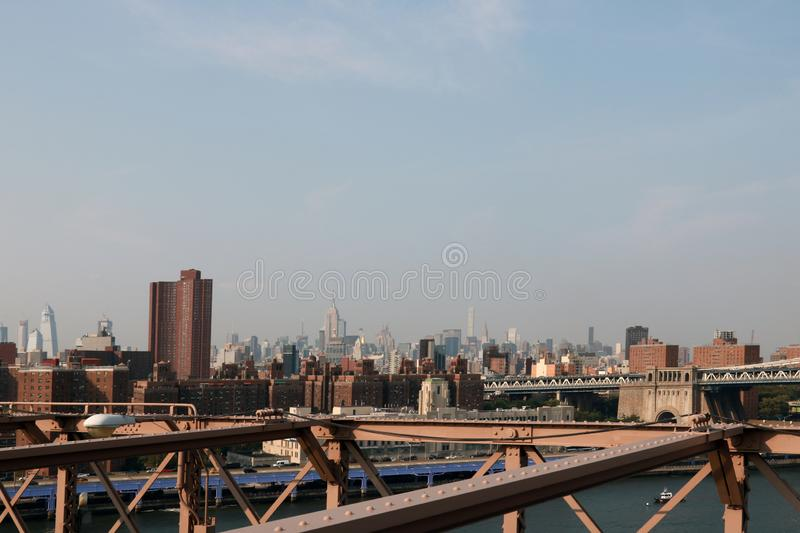 New York, U.S.A. - 2 settembre 2018: vista dal ponte di Brooklyn a Manhattan immagine stock