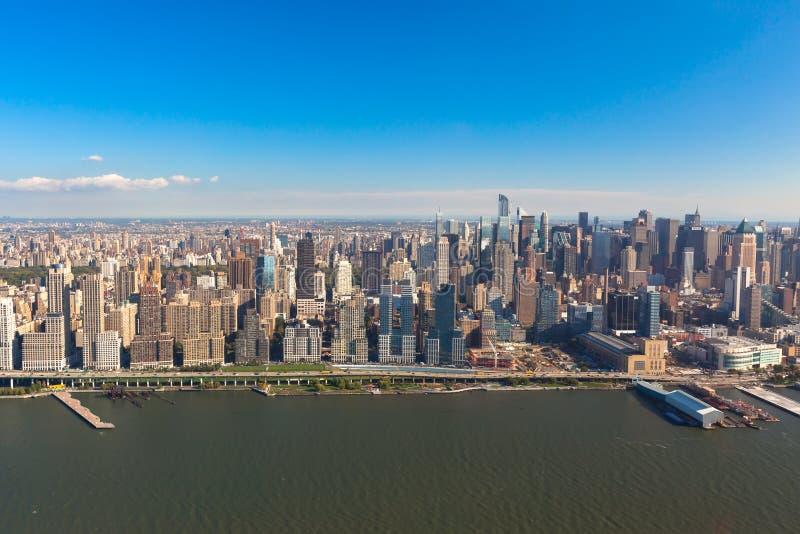 New York Uit het stadscentrum Manhattan in NYC-NY in de V.S. Luchthelikoptermening royalty-vrije stock afbeelding