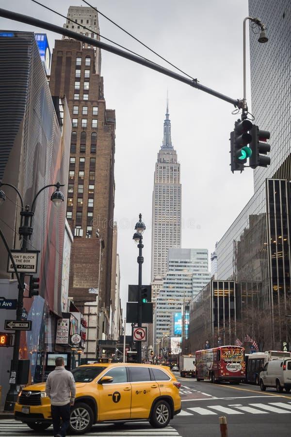 NEW YORK USA - FEBRUARI 23, 2018: Typisk affärsdag i New York i Manhattan royaltyfri bild