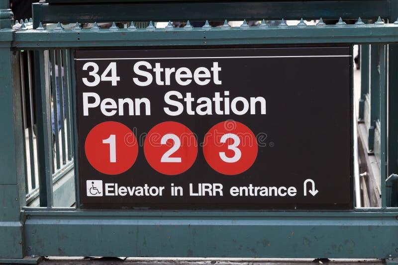 New York USA - gångtunnelingång i Lower Manhattan på Pensylvani arkivbilder