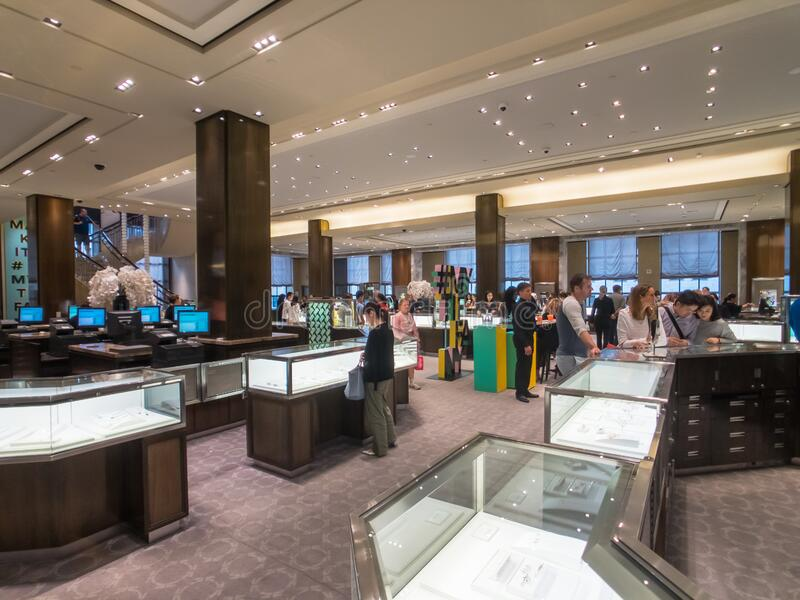Shoppers Choose Jewelry At Tiffany Store In Manhattan ...