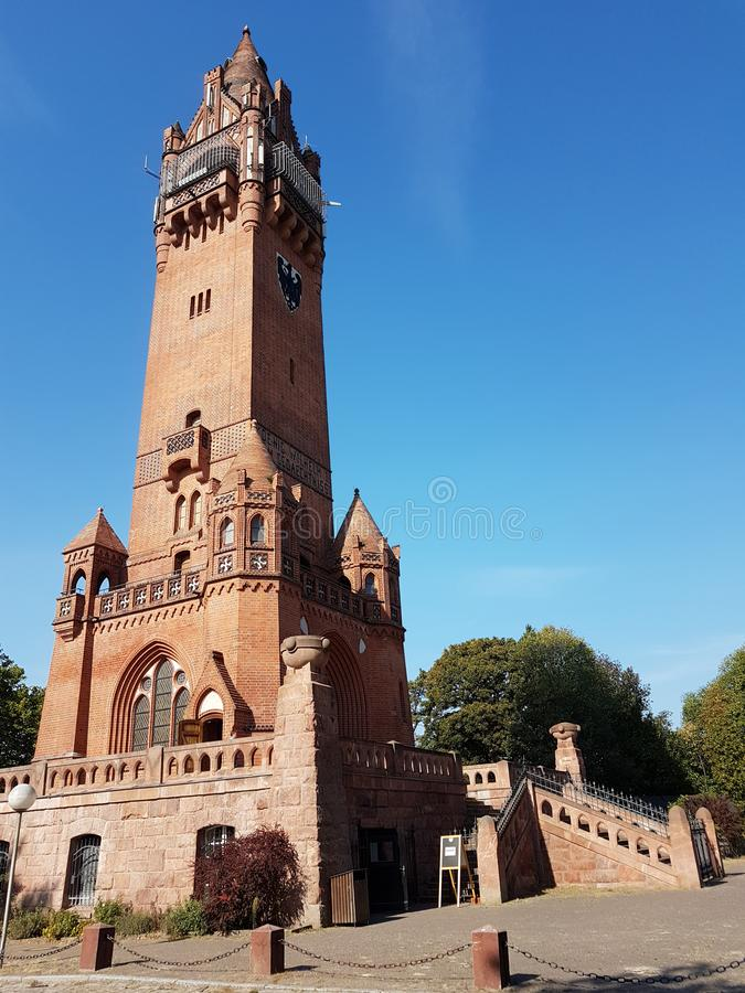 Newaldturm de ¼ de Grà - Forest Tower vert d'un bick rouge photos stock