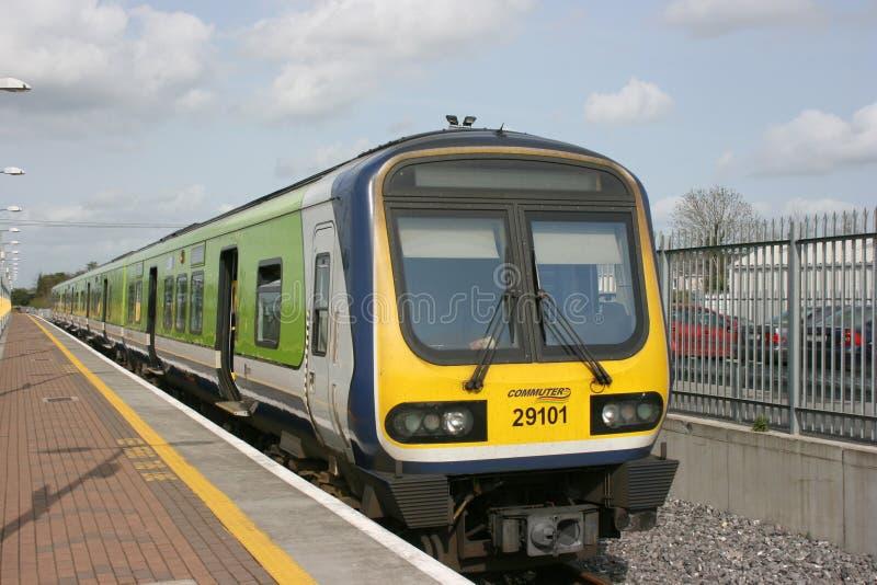 Newbridge station, Irland, April 2008, Iarnrod Eireann en j?rnv?g service royaltyfria bilder