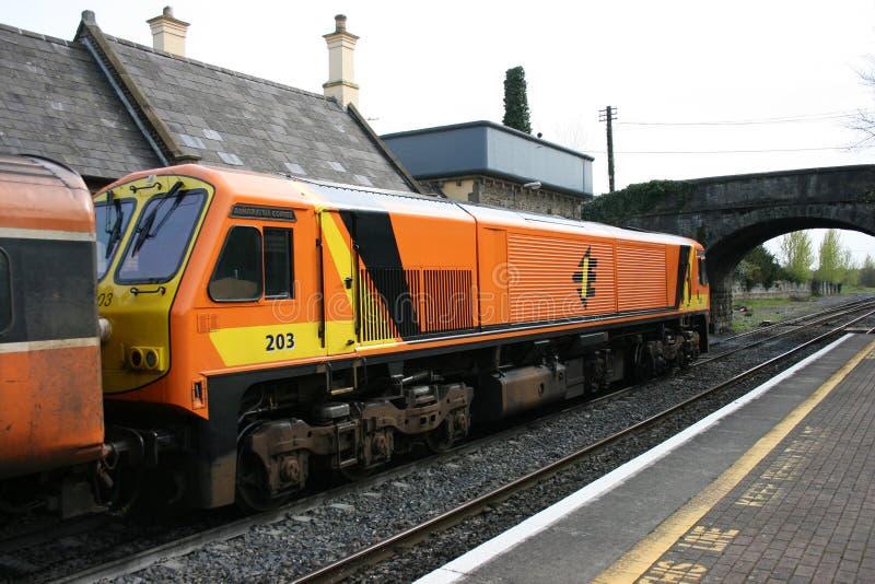 Newbridge station, Irland, April 2008, Iarnrod Eireann en j?rnv?g service royaltyfri foto