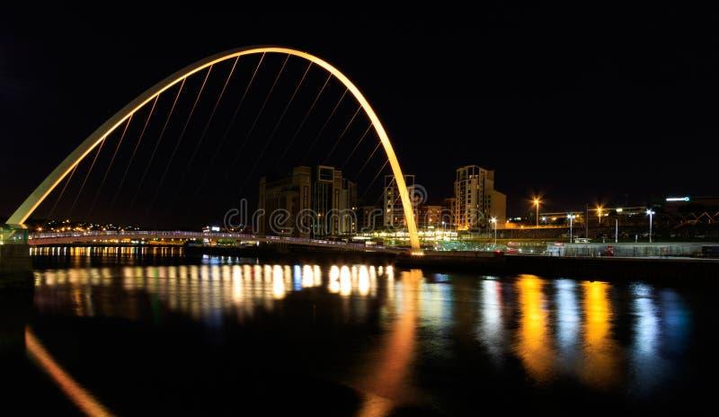 Newcasle bij nacht stock foto