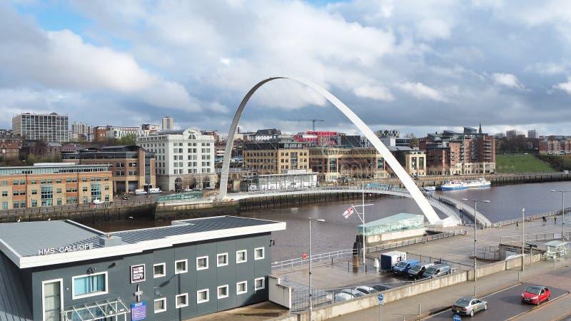 Newcastle op de Tyne, Engeland, het Verenigd Koninkrijk De Gateshead-Millenniumbrug royalty-vrije stock foto's