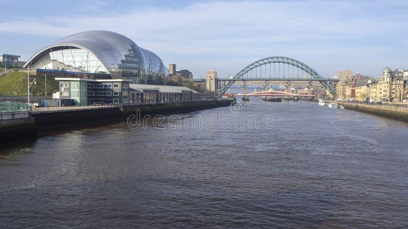 Newcastle op de Tyne, Engeland, het Verenigd Koninkrijk Sage Gateshead, een overlegtrefpunt en ook een centrum voor muzikaal onde stock afbeeldingen