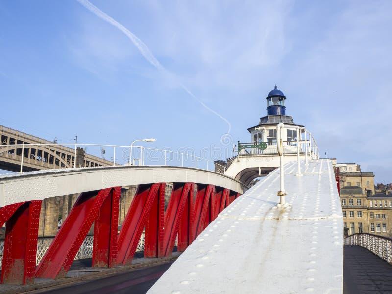 Newcastle op de Tyne, Engeland, het Verenigd Koninkrijk De Schommelingsbrug is een schommelingsbrug over de Rivier de Tyne royalty-vrije stock fotografie