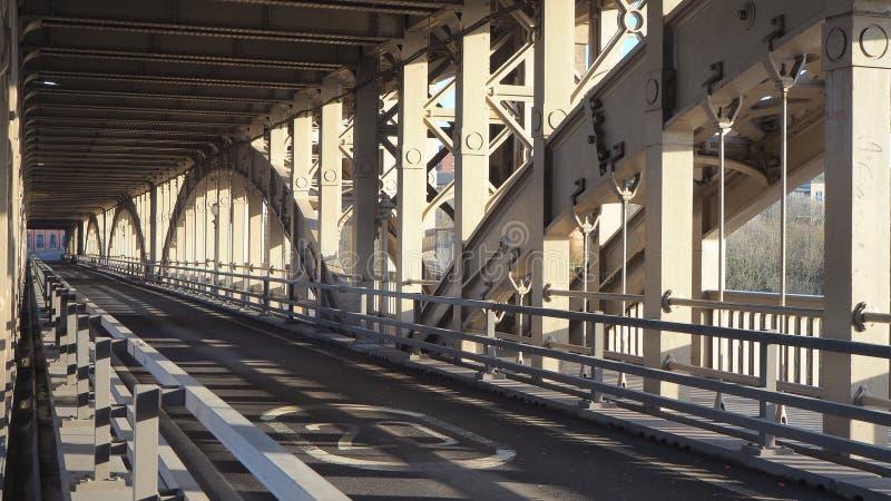Newcastle sur Tyne, Angleterre, Royaume-Uni Le pont de haut niveau est a est une route et un pont de chemin de fer au-dessus de l photo stock