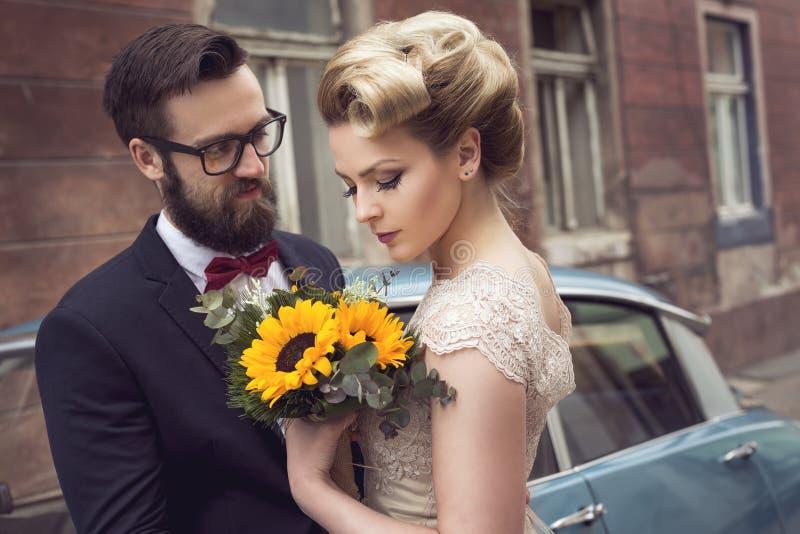Newlwed Paare lizenzfreie stockfotografie