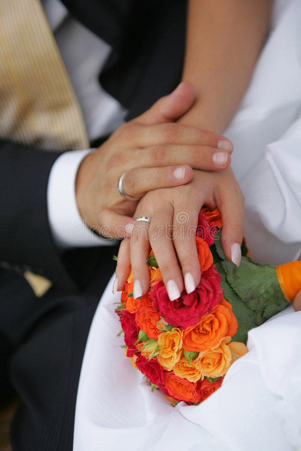 Free Newly Married Couples Hands Stock Images - 4040334