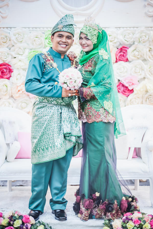 Download Newly wedded couple posing stock image. Image of groom - 34008849