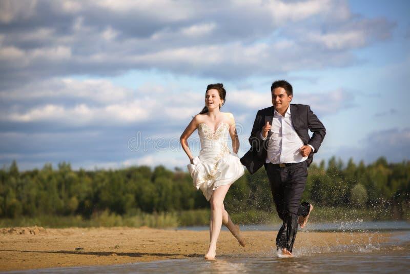newlyweds στοκ εικόνες με δικαίωμα ελεύθερης χρήσης