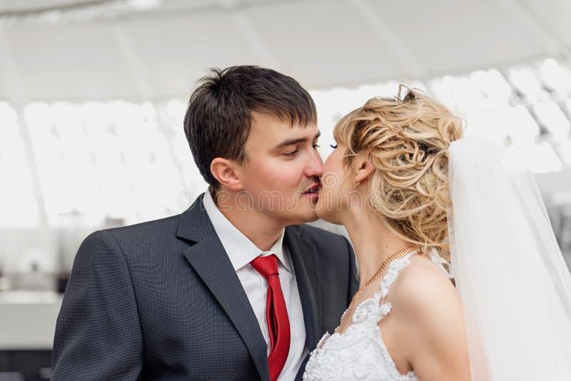 newlyweds foto de archivo